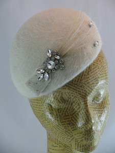 Winter white beret--so classic and dreamy.